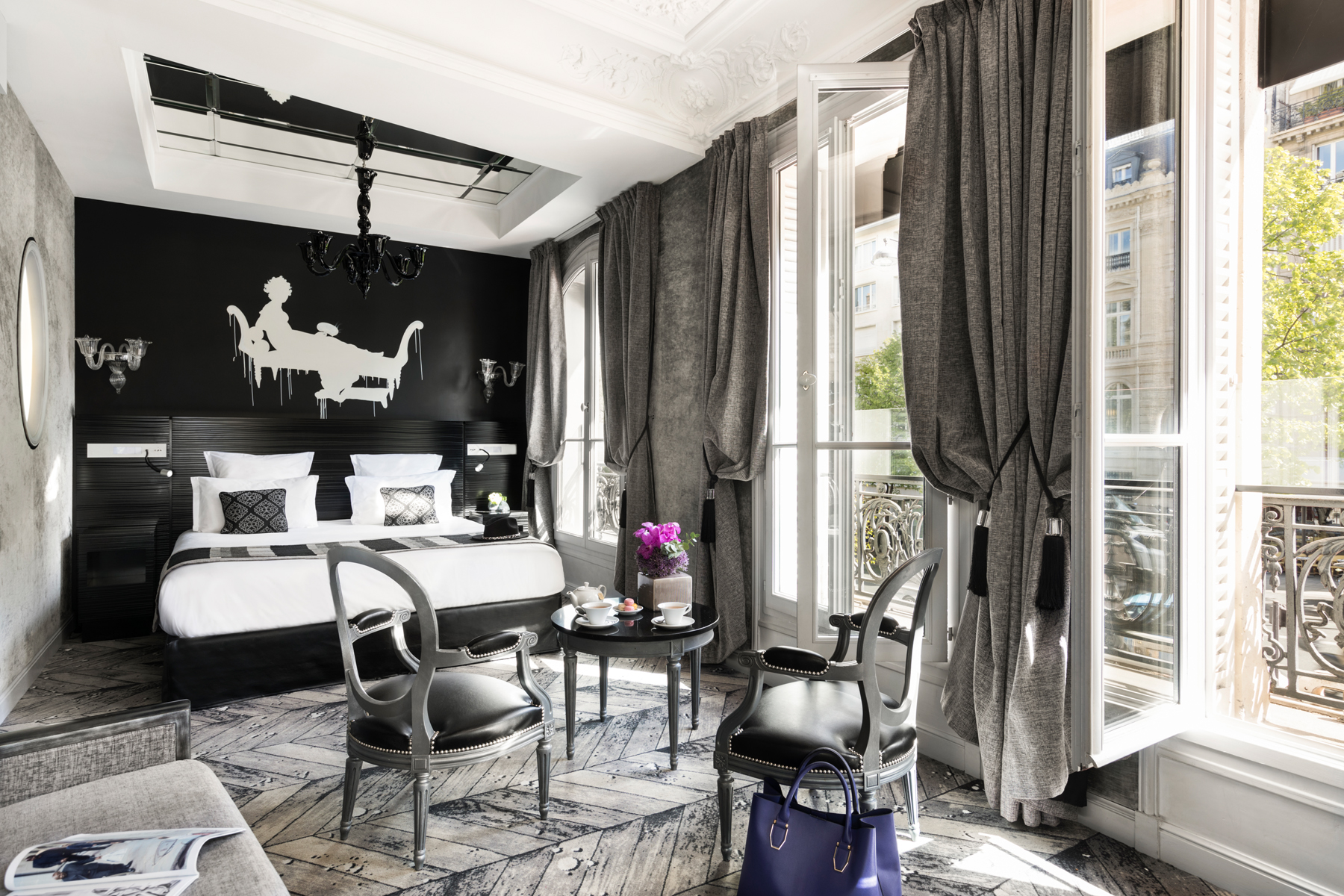 101/Champs Elysees/Suites/PAGE SUITES - SECTION 2 - JUNIOR SUITE 2.jpg